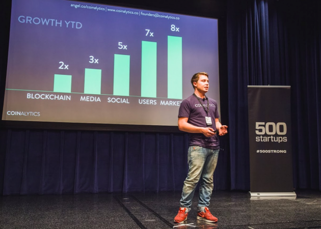 Coinalytics CEO Fabio Federici pitching his company to investors at 500 Startups Demo Day.