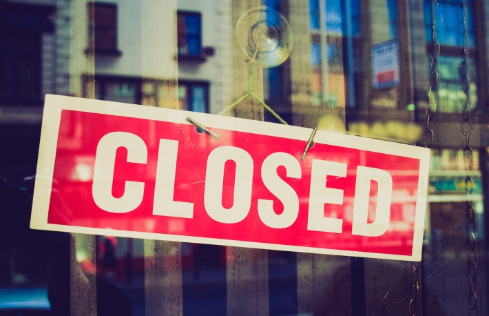 closed-sign (Shutterstock)