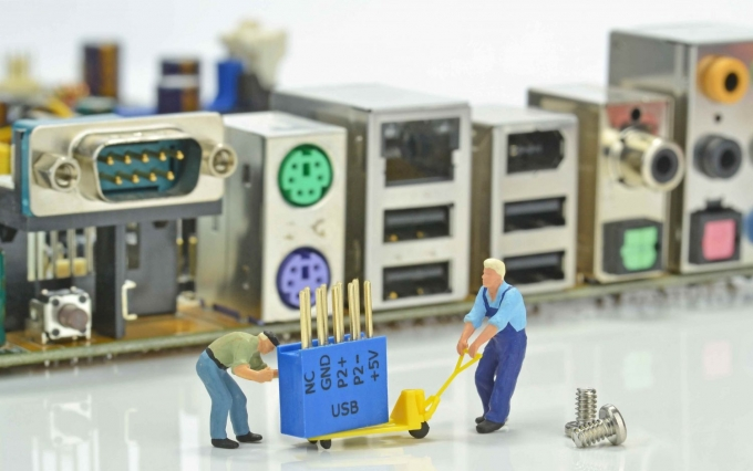 http://www.shutterstock.com/pic-155299565/stock-photo-computer-repairs-concept-with-mini-figures-and-components.html?src=supe_Of6BlJqsCnHWJ0EdA-3-91