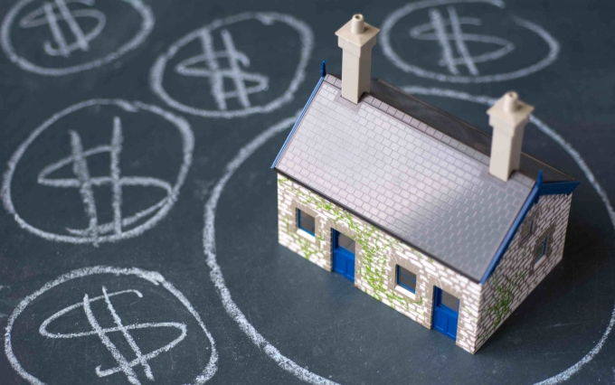 http://www.shutterstock.com/pic-164719595/stock-photo-house-bubble-boom-presentation-on-chalkboard-concept-photo-of-real-estate-market-bubble-booming.html?src=rc2sVAnp1Jtmlt0ooJA7iA-1-8&ws=0