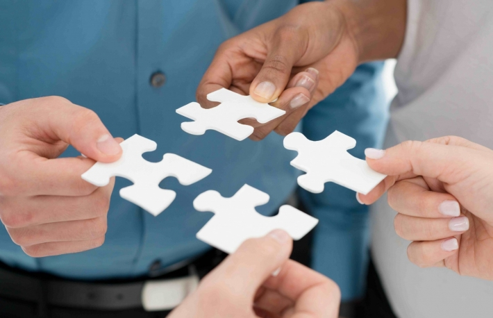 http://www.shutterstock.com/pic-191758007/stock-photo-closeup-businesspeople-hand-holding-jigsaw-puzzle.html?src=M1xbYtDR4QEHFX-zPlkamw-1-25