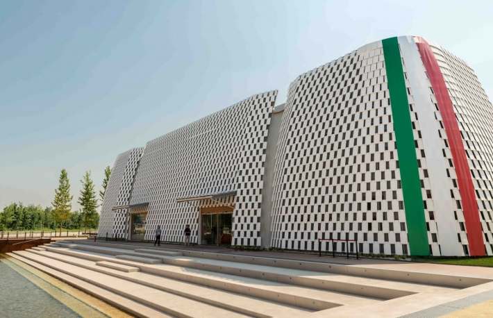 http://www.shutterstock.com/pic-285072467/stock-photo-milan-italy-june-expo-milano-intesa-sanpaolo-pavilion-official-global-partner.html?src=3rvC-JB9JhWQdPGU-SLeHw-1-2