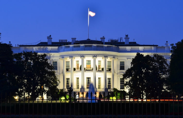 http://www.shutterstock.com/pic-114757342/stock-photo-the-white-house-at-night-washington-dc-united-states.html?src=R1QiFXzV9WPIp5zLjctWgQ-1-1
