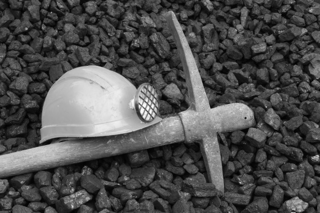 Miners hat and pickaxe