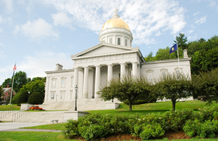 http://www.shutterstock.com/pic-51885163/stock-photo-vermont-state-capital-building-in-montpelier.html?src=btdo3nCT00Re3K2j4jZaoQ-1-14