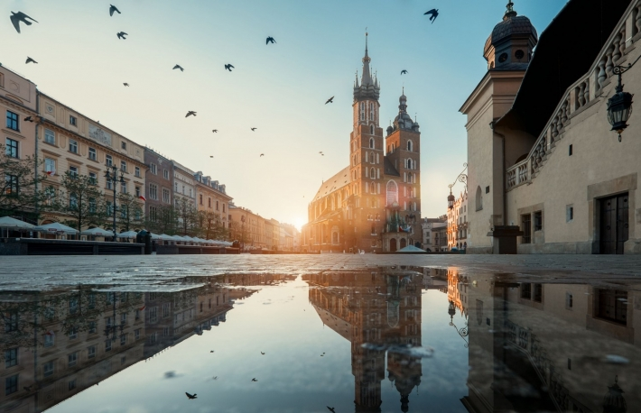 http://www.shutterstock.com/pic-278250392/stock-photo-market-square-and-st-mary-s-basilica-in-krakow-poland.html