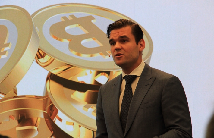 Alex Tapscott, CEO Northwest Passage Ventures and author of Blockchain Revolution speaks at Nasdaq, May 2016. (Photo credit: Michael del Castillo)