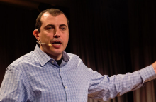 https://commons.wikimedia.org/wiki/File:Andreas_M_Antonopoulos_in_Zurich_2016.jpg