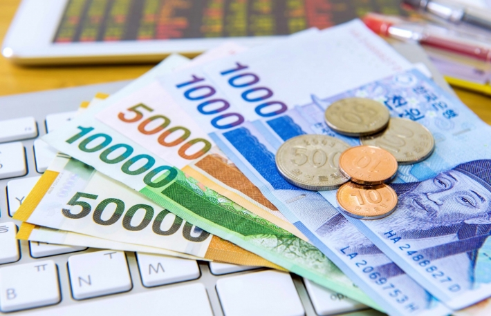 http://www.shutterstock.com/pic-382691593/stock-photo-south-korean-won-currency-and-finance-business-business-concept.html