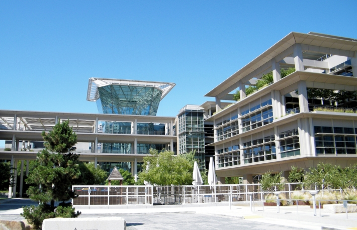 https://en.wikipedia.org/wiki/CalPERS#/media/File:CalPERS_headquarters.jpg