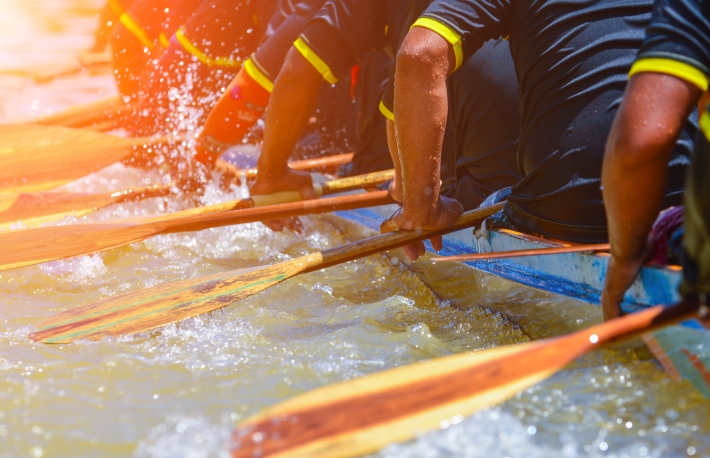 http://www.shutterstock.com/pic-402569311/stock-photo-rowing-team-race-and-color-tone-effect.html?src=gksaILiV9IjPcrm0gaUp7A-1-4