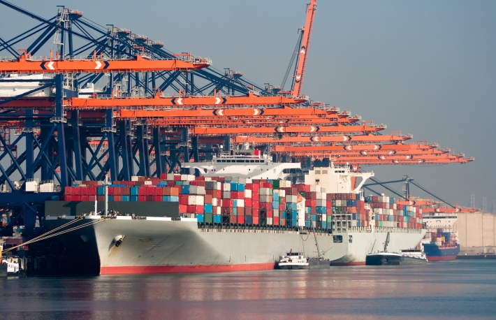 https://www.shutterstock.com/pic-86032495/stock-photo-large-harbor-cranes-loading-container-ships-in-the-port-of-rotterdam.html?src=YFCPHhdHG1LUKRL4U_rspQ-1-1