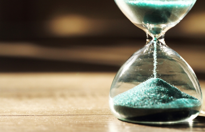 https://www.shutterstock.com/pic-384007933/stock-photo-sand-running-through-the-bulbs-of-an-hourglass-measuring-the-passing-time-in-a-countdown-to-a-deadline-on-a-dark-background-with-copy-space.html?src=vKjbwZPCLoj5jzG7N8RZxA-1-1