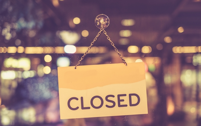 https://www.shutterstock.com/pic-304728146/stock-photo-vintage-tone-of-a-closed-sign-hanging-in-a-shop-window.html?src=HTnMdFl9iRpkgEbxWcdrUw-1-6