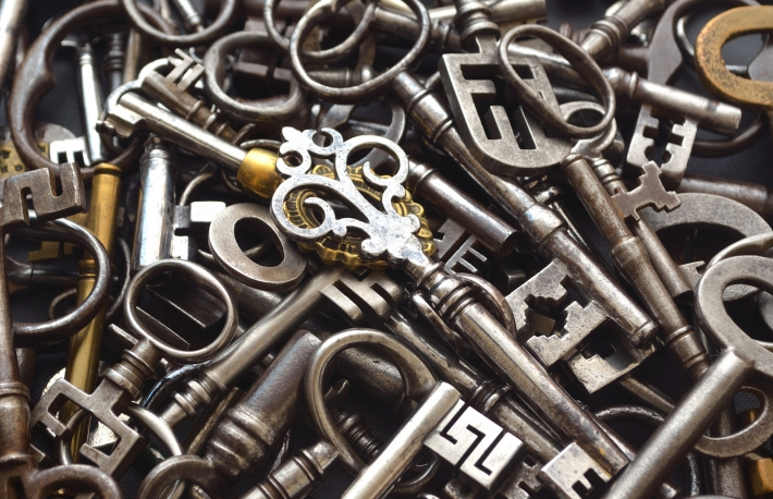 https://www.shutterstock.com/pic-335646146/stock-photo-a-pile-of-antique-keys.html