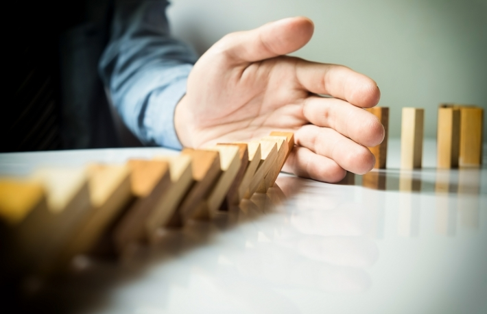 https://www.shutterstock.com/image-photo/businessman-hand-stop-dominoes-continuous-toppled-401526112?src=iYL2hzyVpPddBdY7EE2SjQ-1-0