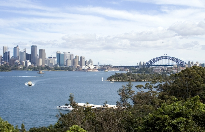https://www.shutterstock.com/image-photo/view-sydney-leafy-north-shore-17821159?src=QwqDrlKsaAaOKm2XqHBDuA-1-3