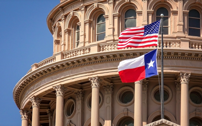https://www.shutterstock.com/image-photo/american-texas-state-flags-flying-on-494317324?src=8YgsGeRIEmxNP4iQ1t_8dw-1-14