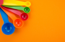 https://www.shutterstock.com/image-photo/colorful-measuring-spoons-on-orange-paper-367029719?src=45IUOrLV-gPpn8NK5WP34g-1-38