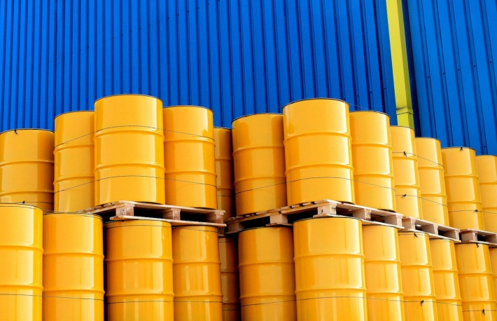 https://www.shutterstock.com/image-photo/yellow-oil-drums-front-factory-blue-133327529?src=fiN8lETFhgWw_B-jpc-8Jw-1-8