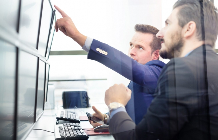 https://www.shutterstock.com/image-photo/businessmen-trading-stocks-stock-traders-looking-561646102?src=XsVowrDSjJ0XUqPoxkST4A-1-32