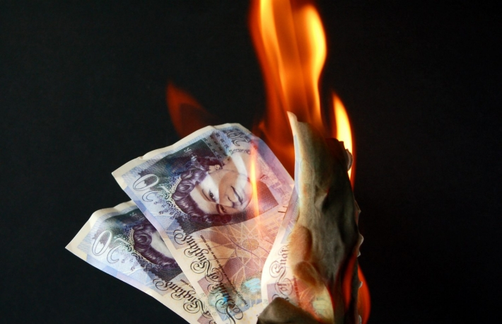https://www.shutterstock.com/image-photo/money-burn-fiftypound-notes-flames-549253327