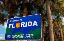 https://www.shutterstock.com/image-photo/welcome-florida-sign-the-sunshine-state-530998006