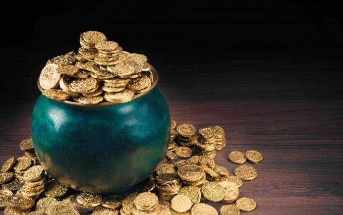 https://www.shutterstock.com/image-photo/gold-coins-green-pot-on-dark-600077405?src=flPWjC8vaCi_R0BV_j6LEg-3-34