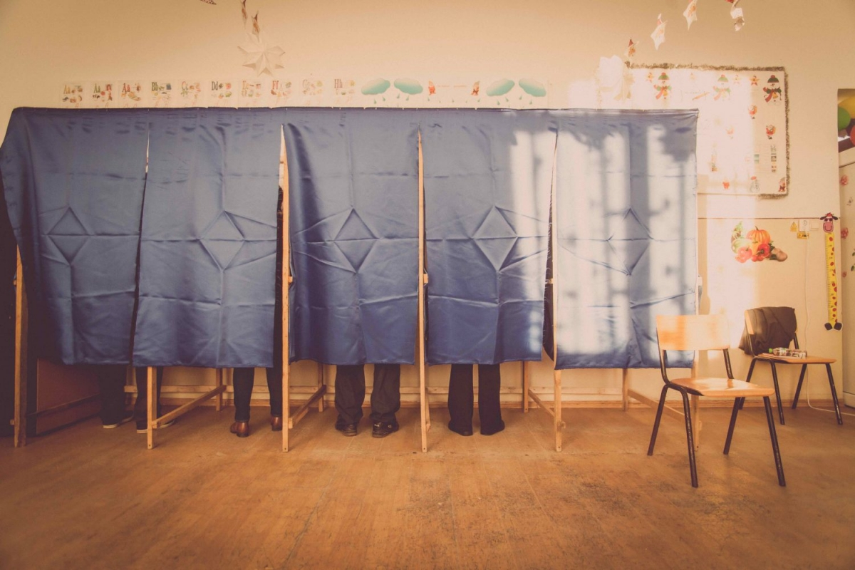 https://www.shutterstock.com/image-photo/people-vote-voting-booth-polling-station-536466367?src=1caDp6smvnpnTxCSVmxSjw-1-61
