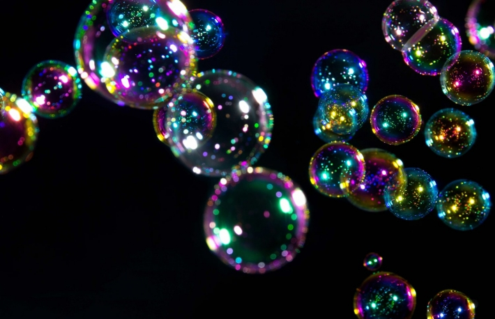 https://www.shutterstock.com/image-photo/soap-bubbles-on-black-background-603296183?src=o0gPp7kic1bWOwJzozY-fQ-2-66