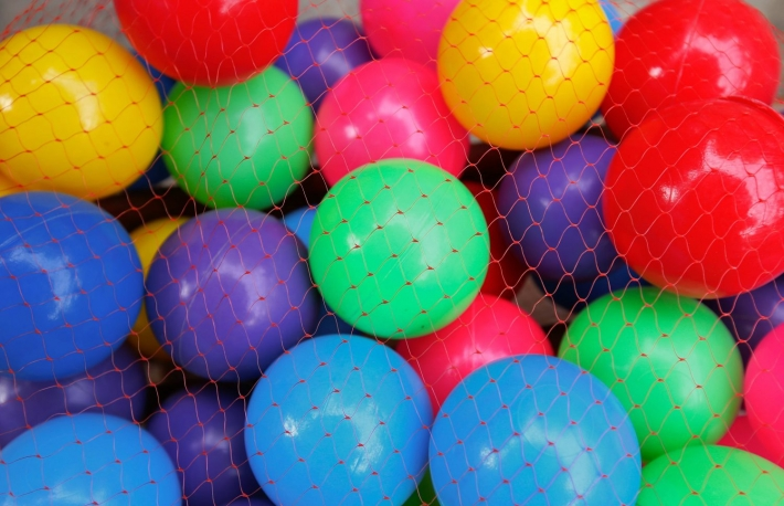 https://www.shutterstock.com/image-photo/pile-colorful-plastic-balls-421818679