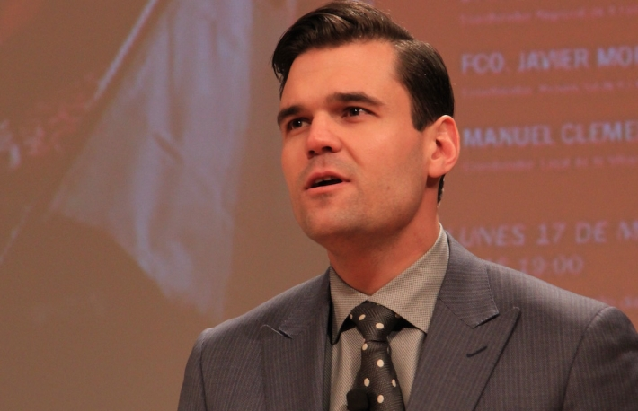Image of Alex Tapscott via Michael del Castillo