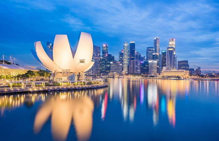 https://www.shutterstock.com/image-photo/view-marina-bay-night-singapore-city-524460271?src=Keg5vQAbm7G7gF_a_tbg4A-1-7