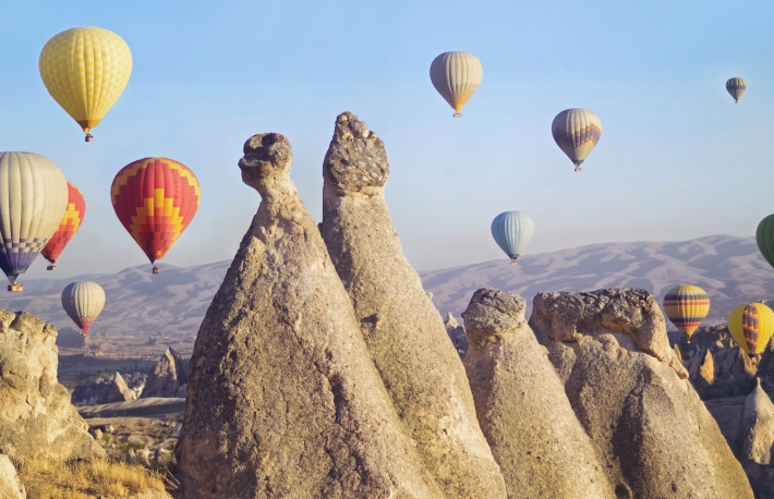 https://www.shutterstock.com/image-photo/colorful-hot-air-balloons-flying-over-575180890?src=W2b7N6qQ6hzxfWsAXMDspQ-2-66