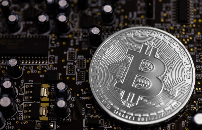 https://www.shutterstock.com/image-photo/bitcoin-computer-graphic-card-474144121?src=n-i9qDSZ5jSDlYefttwNLA-1-63