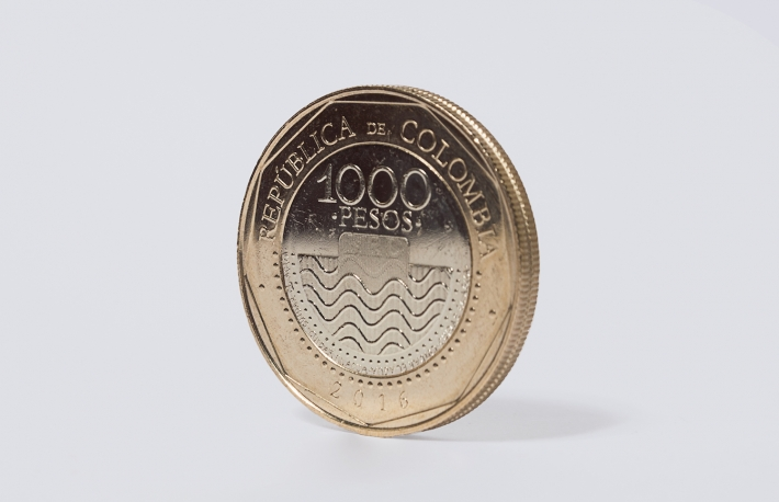 https://www.shutterstock.com/image-photo/colombia-1000-pesos-coin-540170572?src=kbXa7gG4CGeb-taIa33OTw-1-0