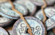 https://www.shutterstock.com/image-photo/tied-antique-chinese-coins-on-panjiayuan-317784620?src=oxiEYW57YY1VWFtnJcQpHA-1-18