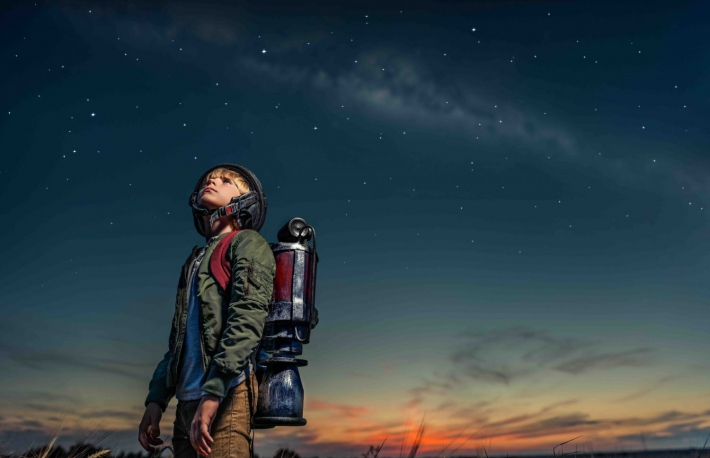 https://www.shutterstock.com/image-photo/boy-backpack-night-520041586