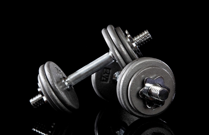 https://www.shutterstock.com/image-photo/set-dumbbells-on-black-background-39757996?src=Eu6efTLg6dJC77-BIMFPoA-1-41