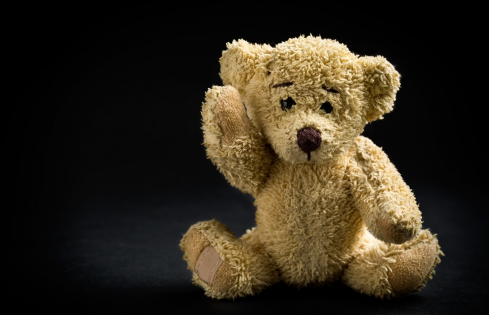 https://www.shutterstock.com/image-photo/teddy-bear-on-black-background-256645771?src=VoKGE6-KKOPr5m6Nr1QtSQ-1-73