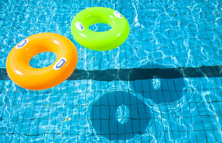 https://www.shutterstock.com/image-photo/two-swimming-pool-rings-shadow-143276806?src=DWQIHq-2I589VtU-Xtwc5w-1-57