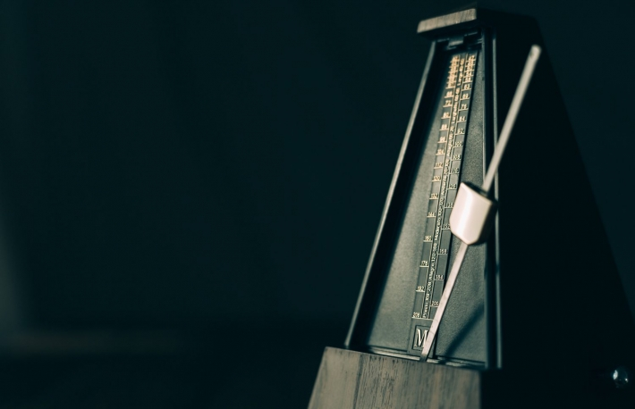 https://www.shutterstock.com/image-photo/color-shot-vintage-metronome-on-black-326900846?src=dQ3T9Aw8DuMc4A28SMFbuA-1-11