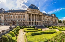 https://www.shutterstock.com/image-photo/royal-palace-brussels-beautiful-summer-day-244024738