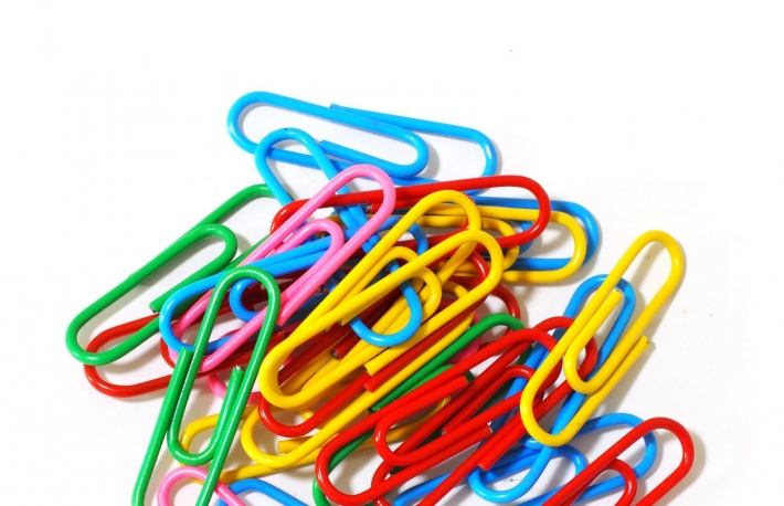 https://www.shutterstock.com/image-photo/paper-clips-isolated-on-white-background-530806690