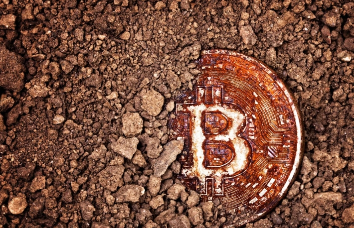 https://www.shutterstock.com/image-photo/closeup-on-rusty-bitcoin-buried-ground-625077536?src=0G7nxvrIWW4fDUn60h7YZQ-1-96