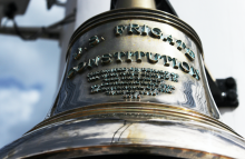 https://www.shutterstock.com/image-photo/close-antique-historical-bell-on-uss-579179905?src=Ae3IWc1hVaavtdLuuwnkig-1-0