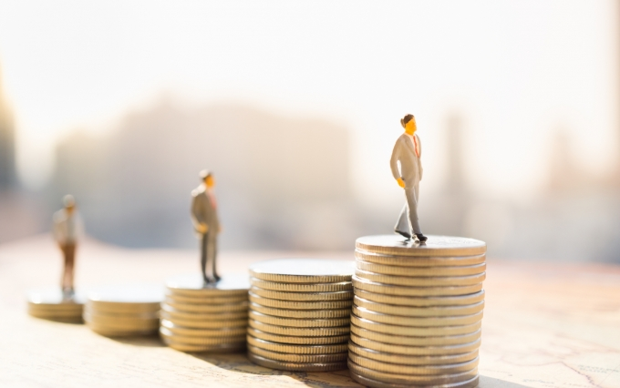 https://www.shutterstock.com/image-photo/miniature-people-small-figure-standing-on-574323772?src=hWfzKgYPcOFPeOl1pmtr4g-1-4