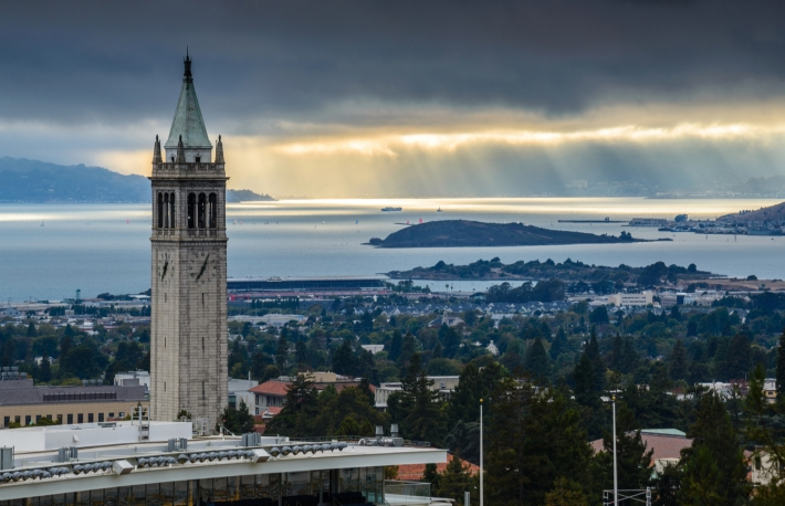 https://www.shutterstock.com/image-photo/uc-berkeley-sather-tower-sunrays-149651078?src=dbOFHdJITMdy_Od49p046A-1-3