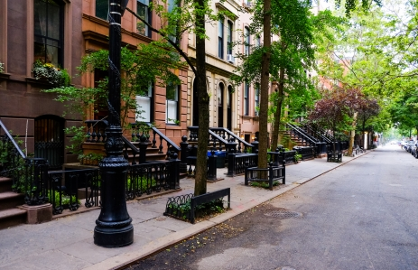 https://www.shutterstock.com/image-photo/beautiful-buildings-greenwich-village-soho-district-388635820?src=xvSkQ_lhcVps_hyrTkjtNQ-1-0