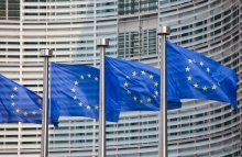 https://www.shutterstock.com/image-photo/european-flags-front-berlaymont-building-headquarters-137098085?src=7Q4ixYNuzzs7u3iMW7Hawg-1-3